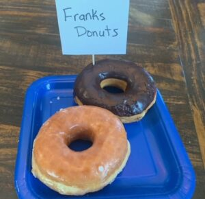 Frank's Donuts - Plain glazed - Chocolate